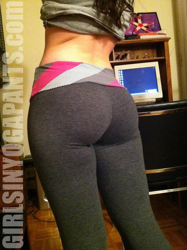 Old School - Girls In Yoga Pants-1150