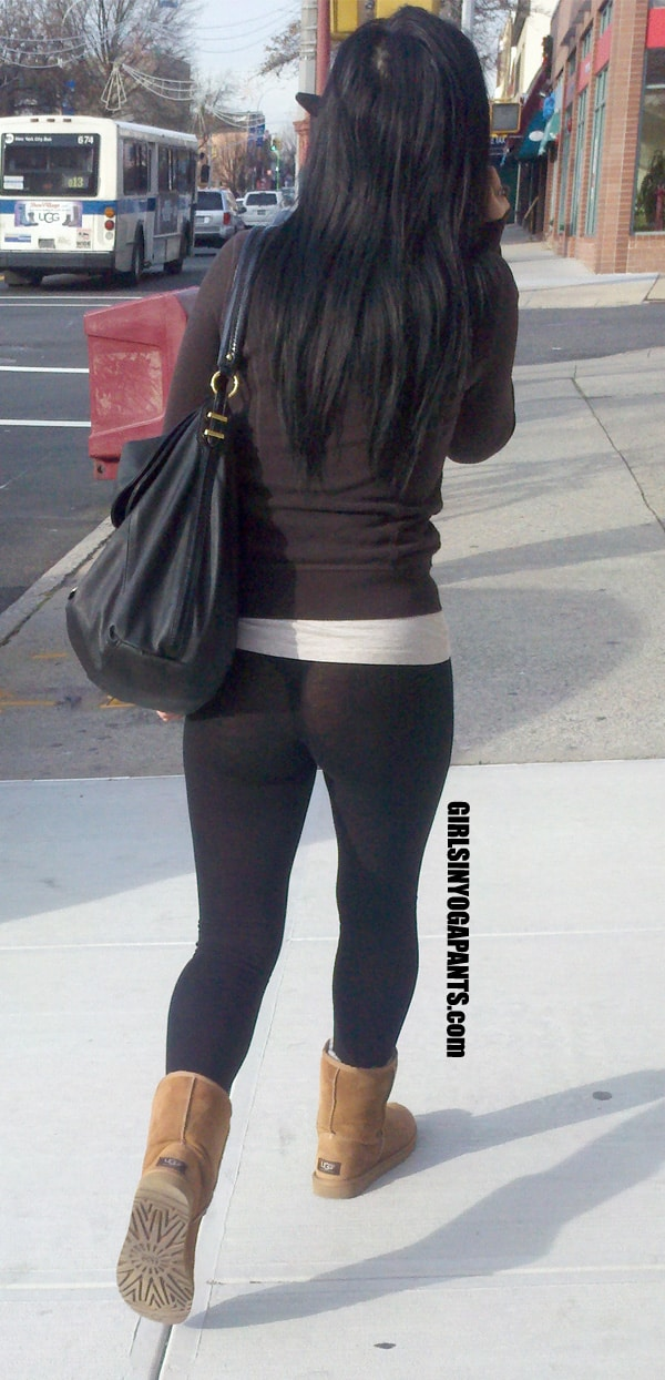 Stocking stockings in public - 1 4
