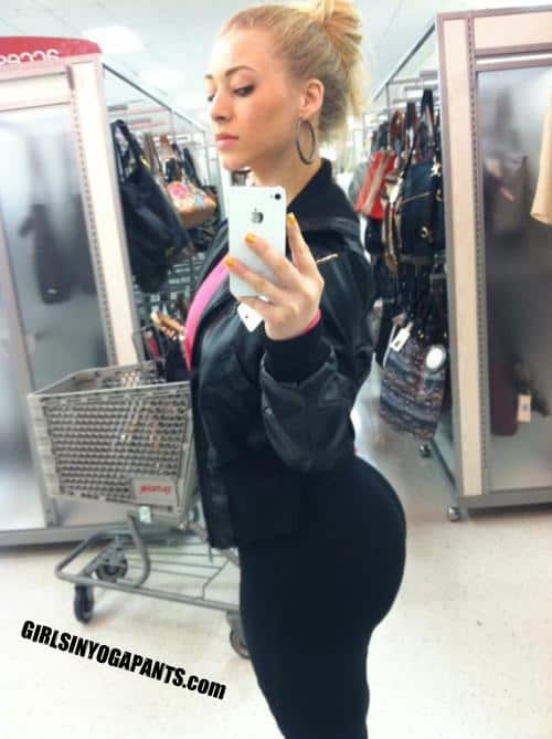 Phat ass in line at walmart - 1 part 7